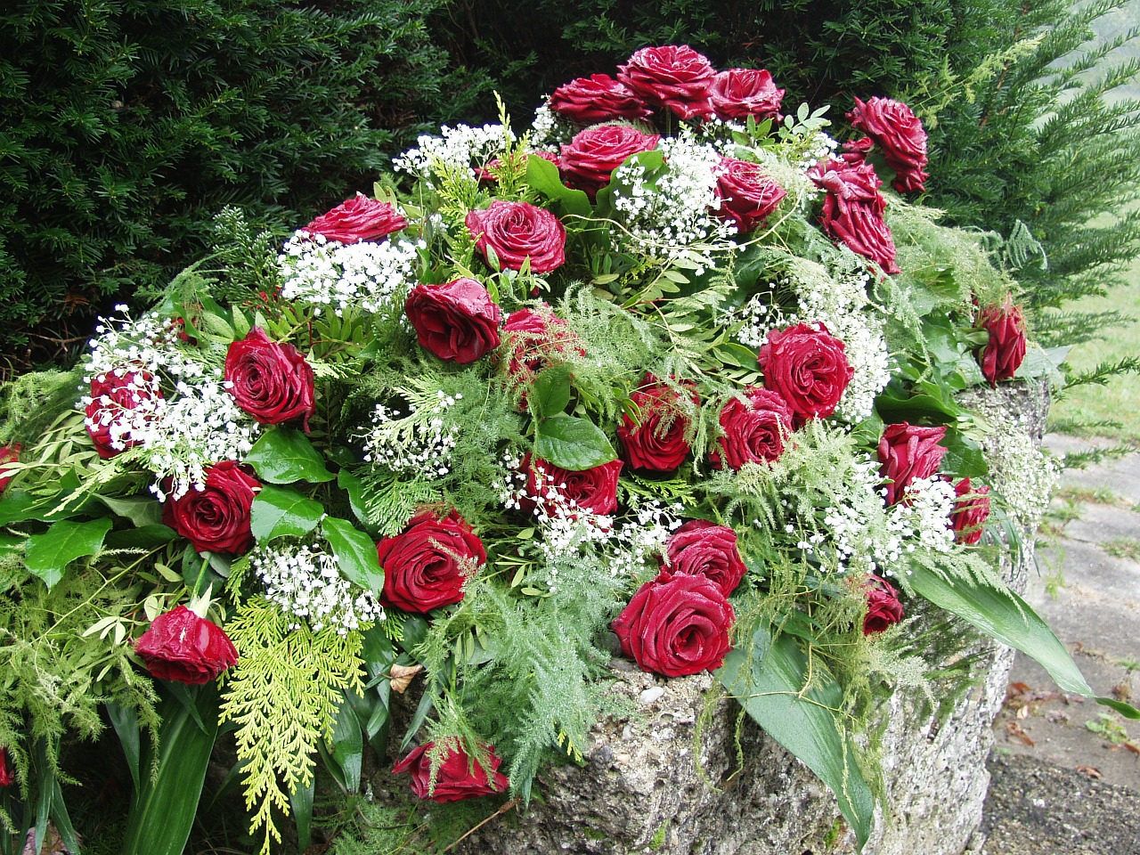 Lovely spray of roses for a funeral